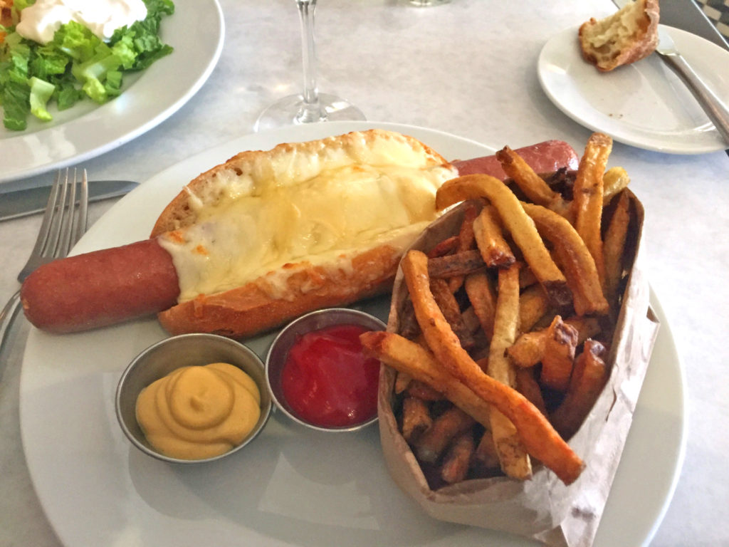Cassis Parisian Hot Dog