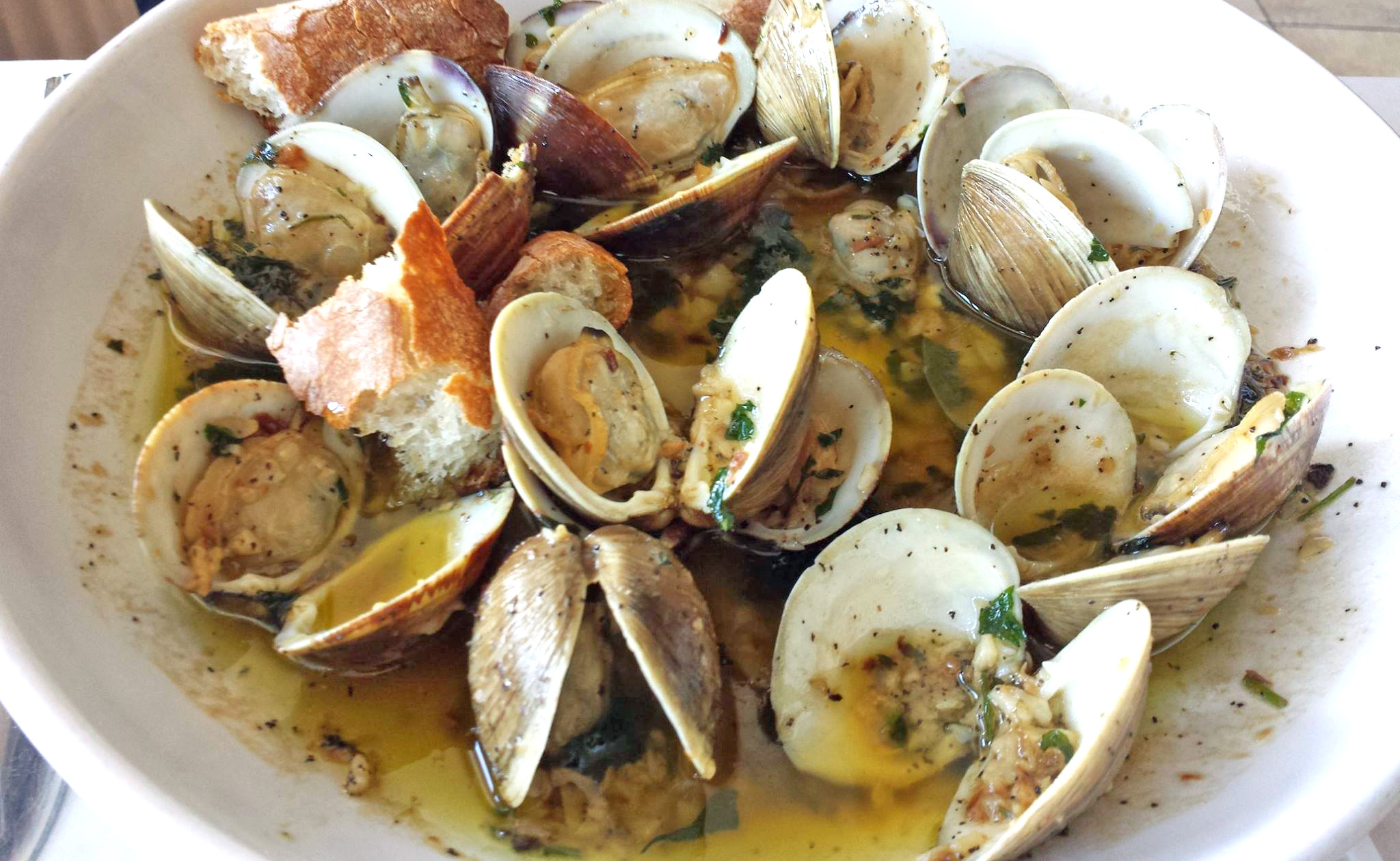 Clams with Garlic & Olive Oil