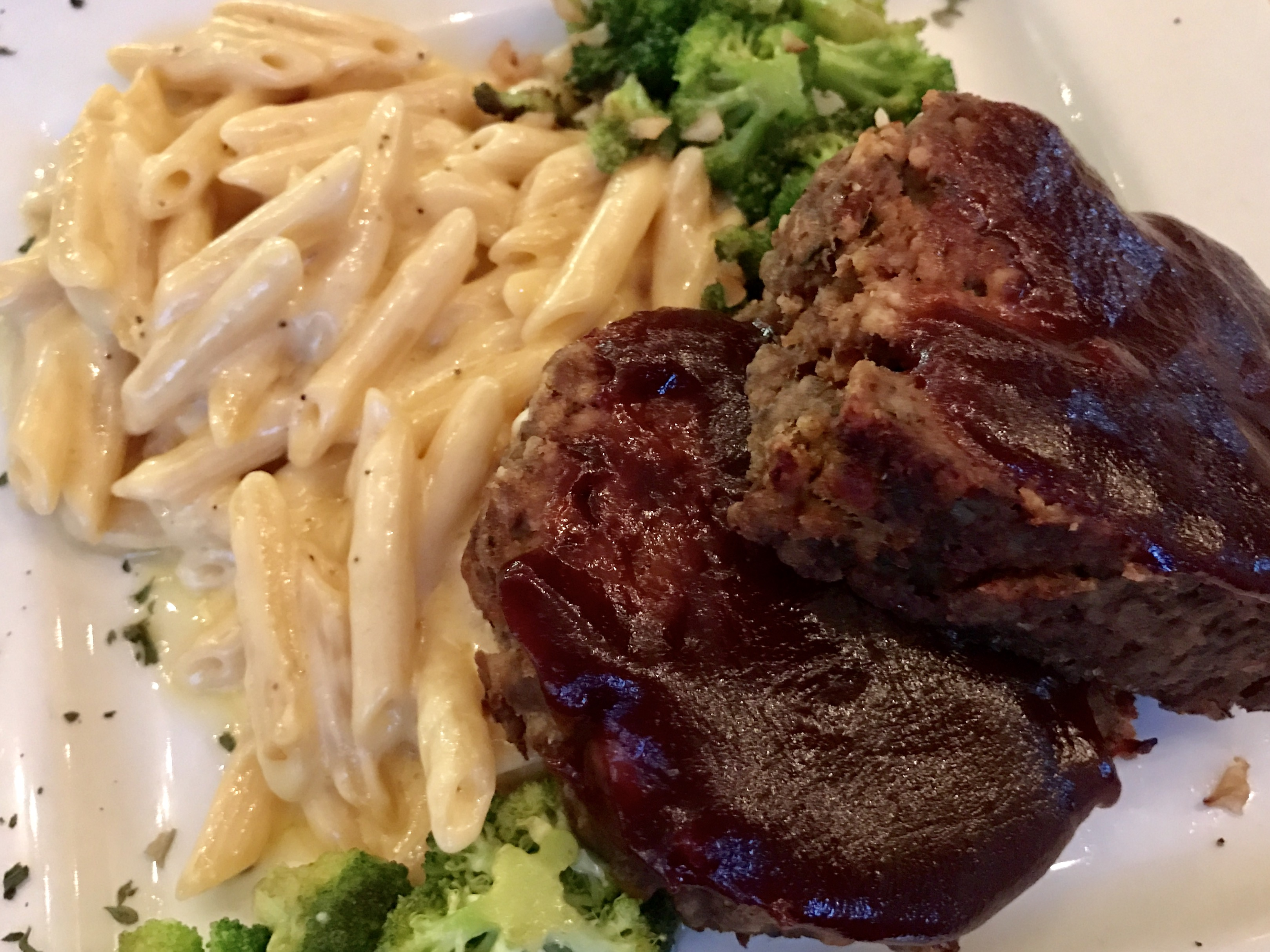 Meatloaf Special with Homemade Mac 'n' Cheese and Broccoli at Bowled