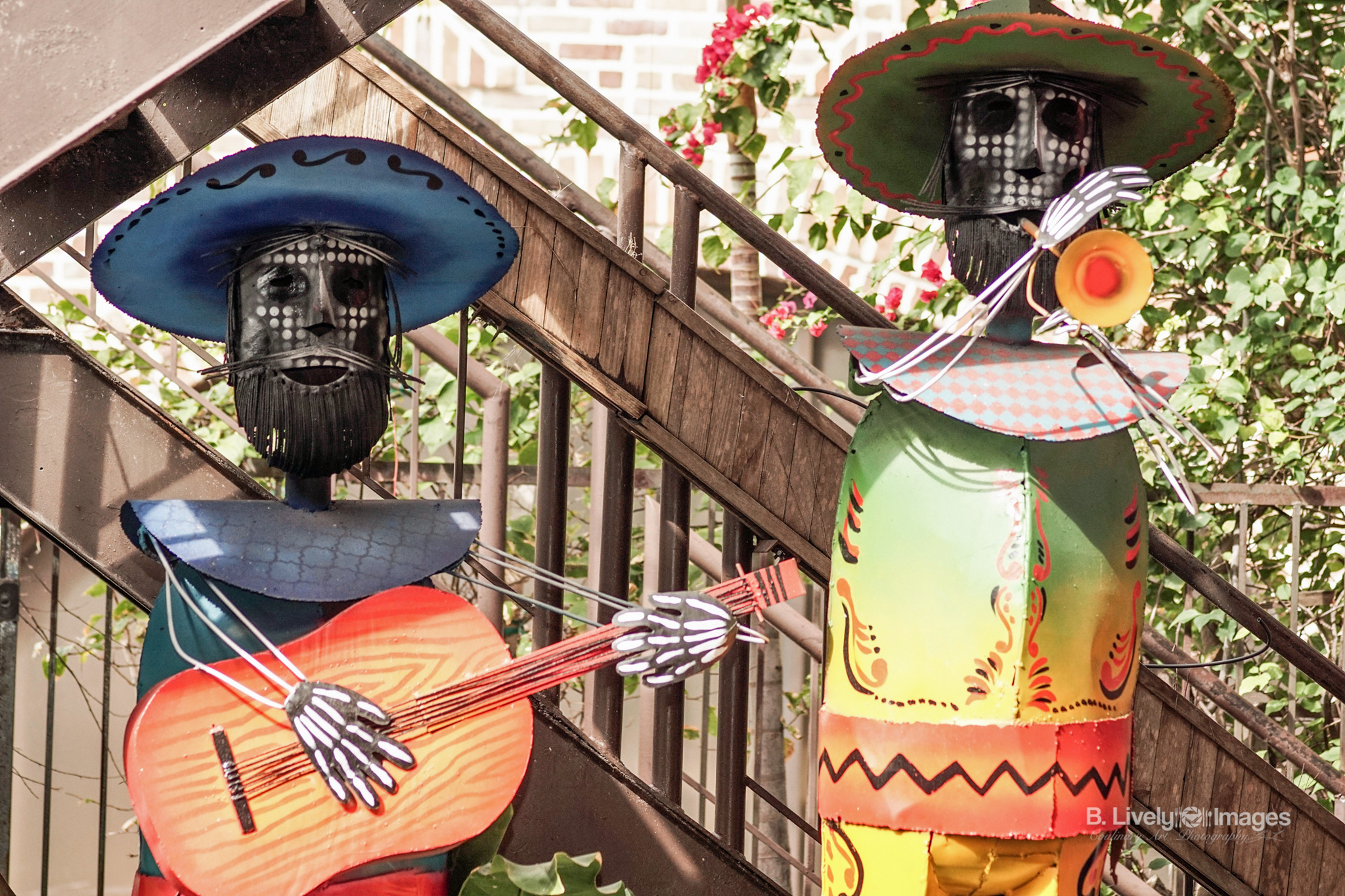 Colorful Metal Sculpted Mariachis