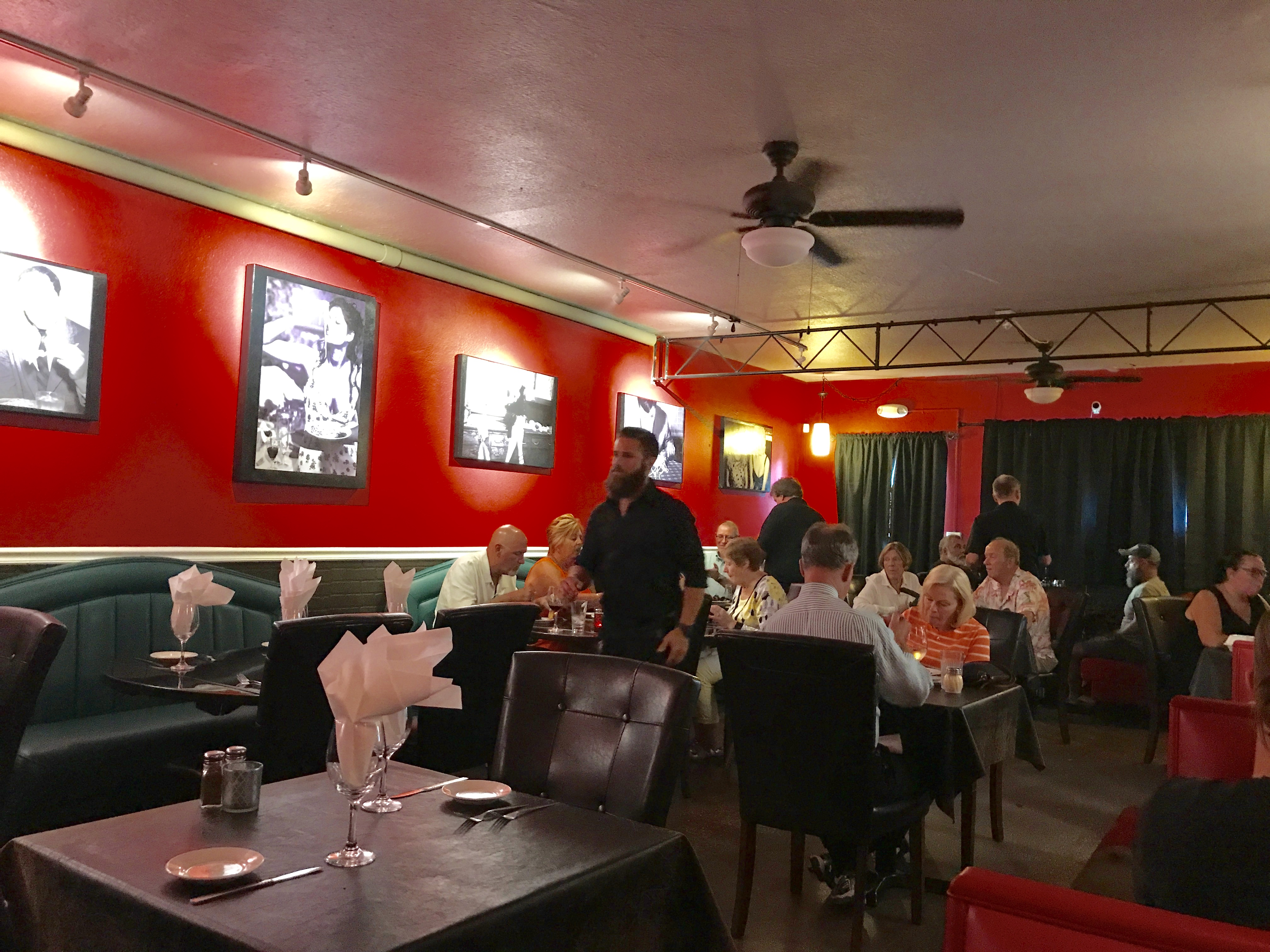 Beau n Mo's Italian Eating House