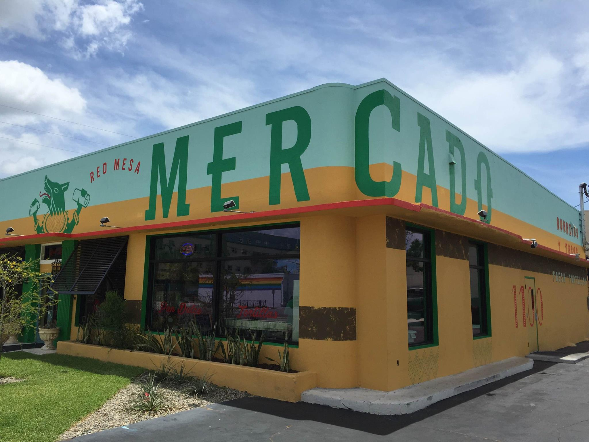 Red Mesa Mercado Exterior