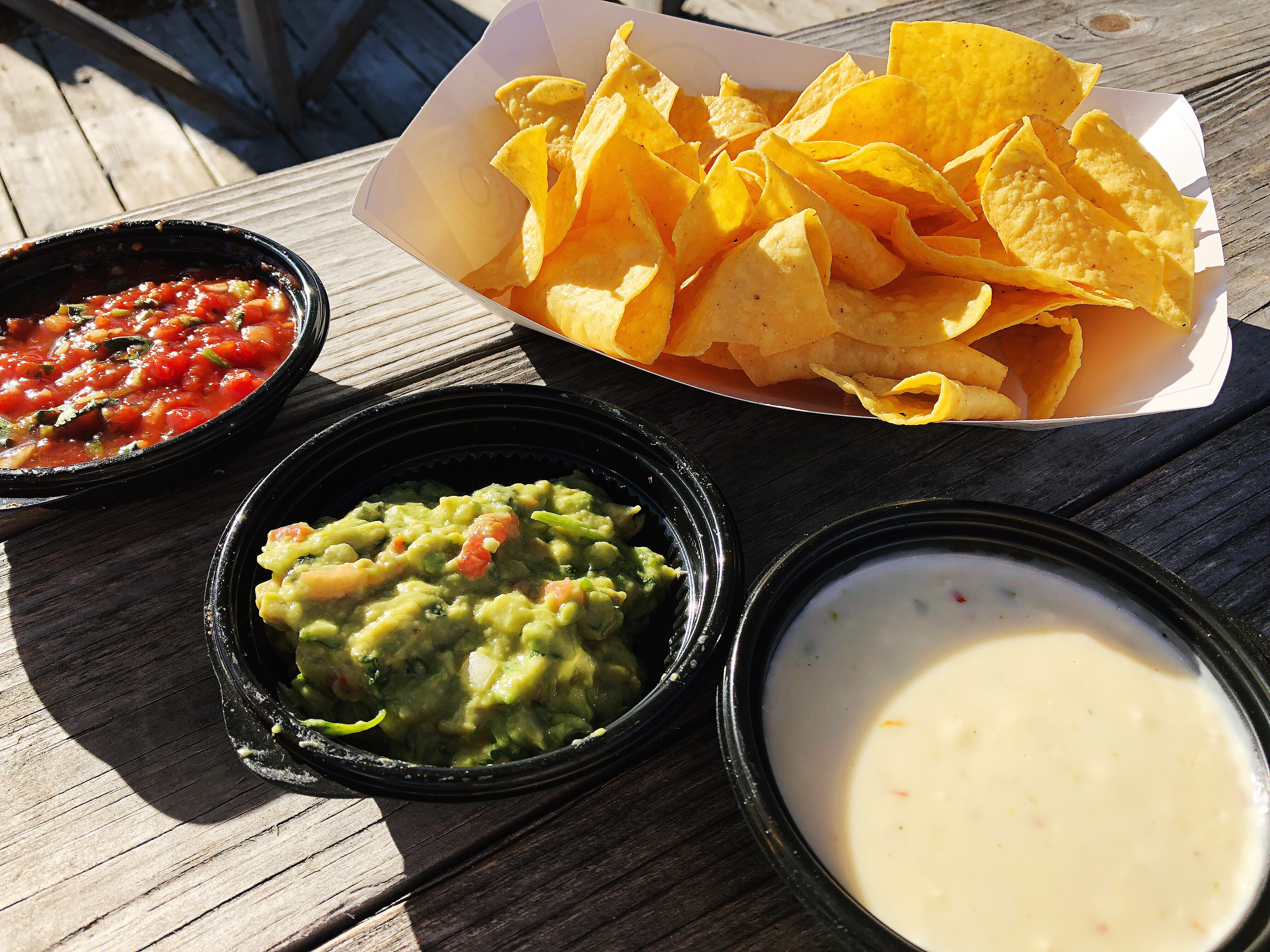 Cantina Salsa, Queso, Guacamole & Freshly Seasoned Tortilla Chips