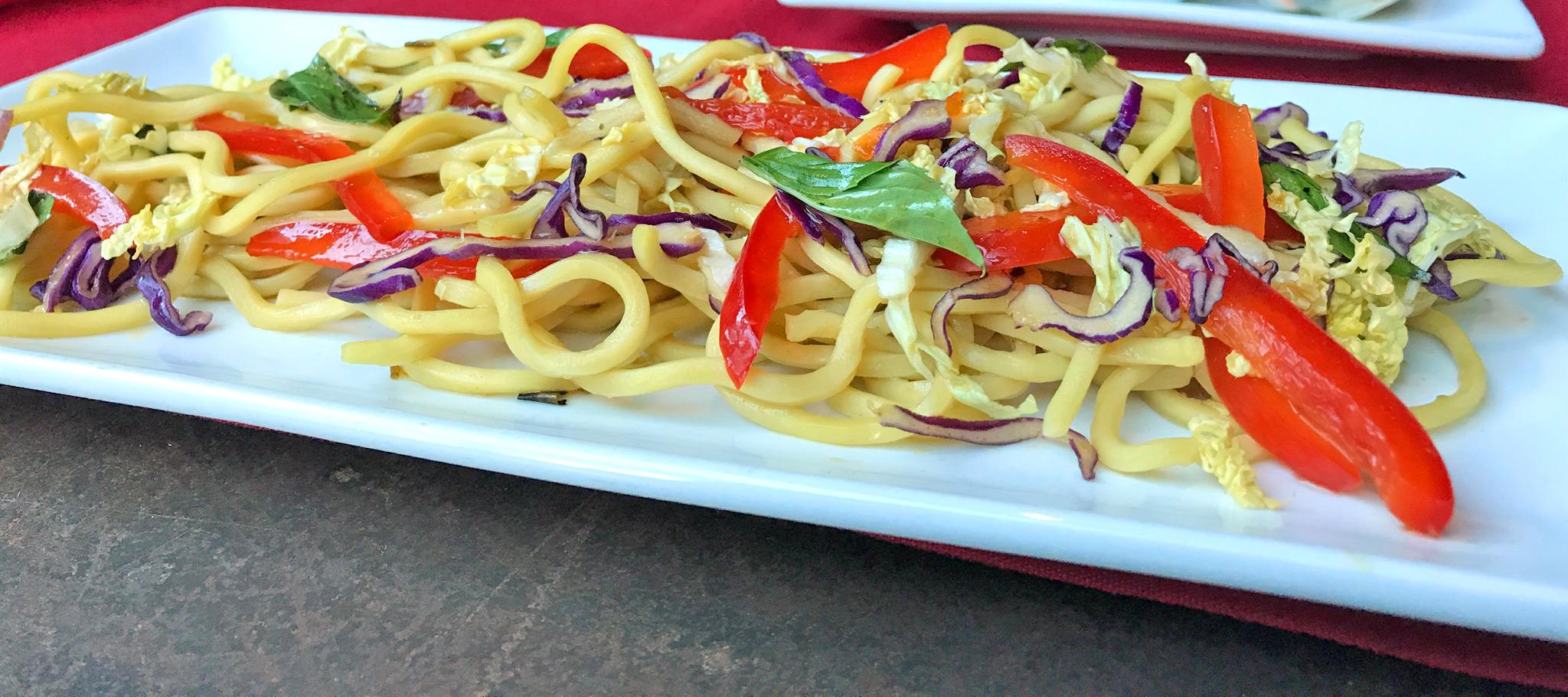 Saké 23 Noodle - salad yakisoba / thai basil / mint / napa cabbage red cabbage / sweet chili soy dressing