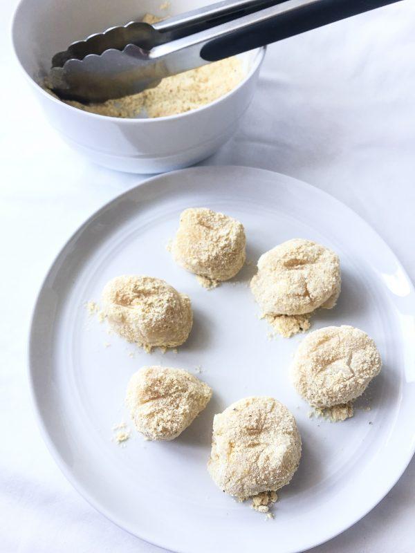 Scallops in Cornmeal mixture