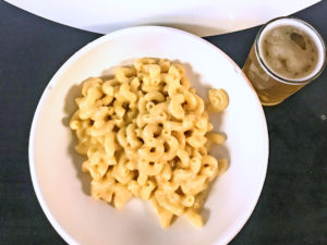 3 Daughters Brewing White Mac and Cheese with Beach Blonde Ale