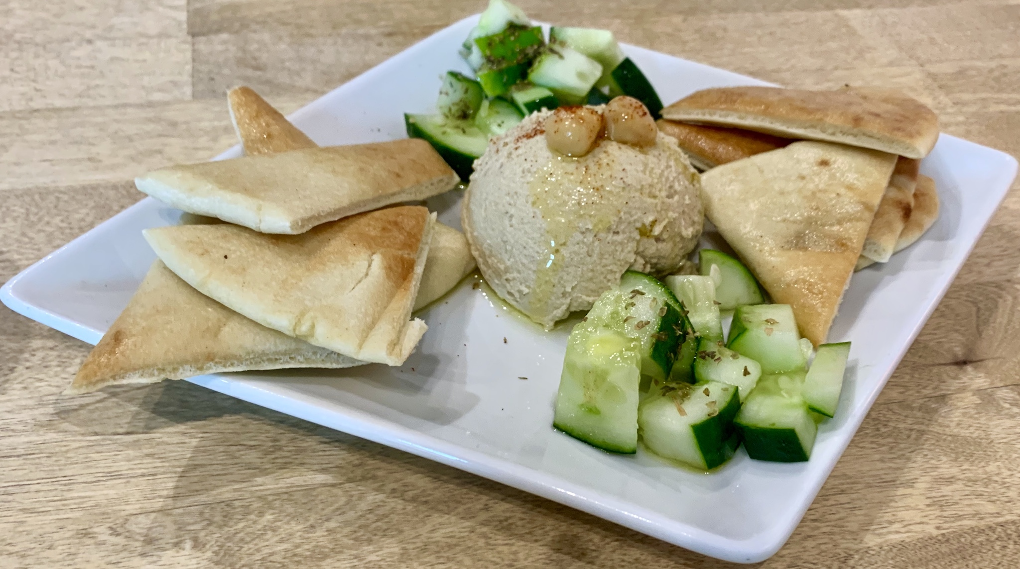 Mio's Grill & Cafe Hummus