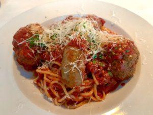 Mano's Spaghetti Con Polpette Di Carne Di Salsiccia