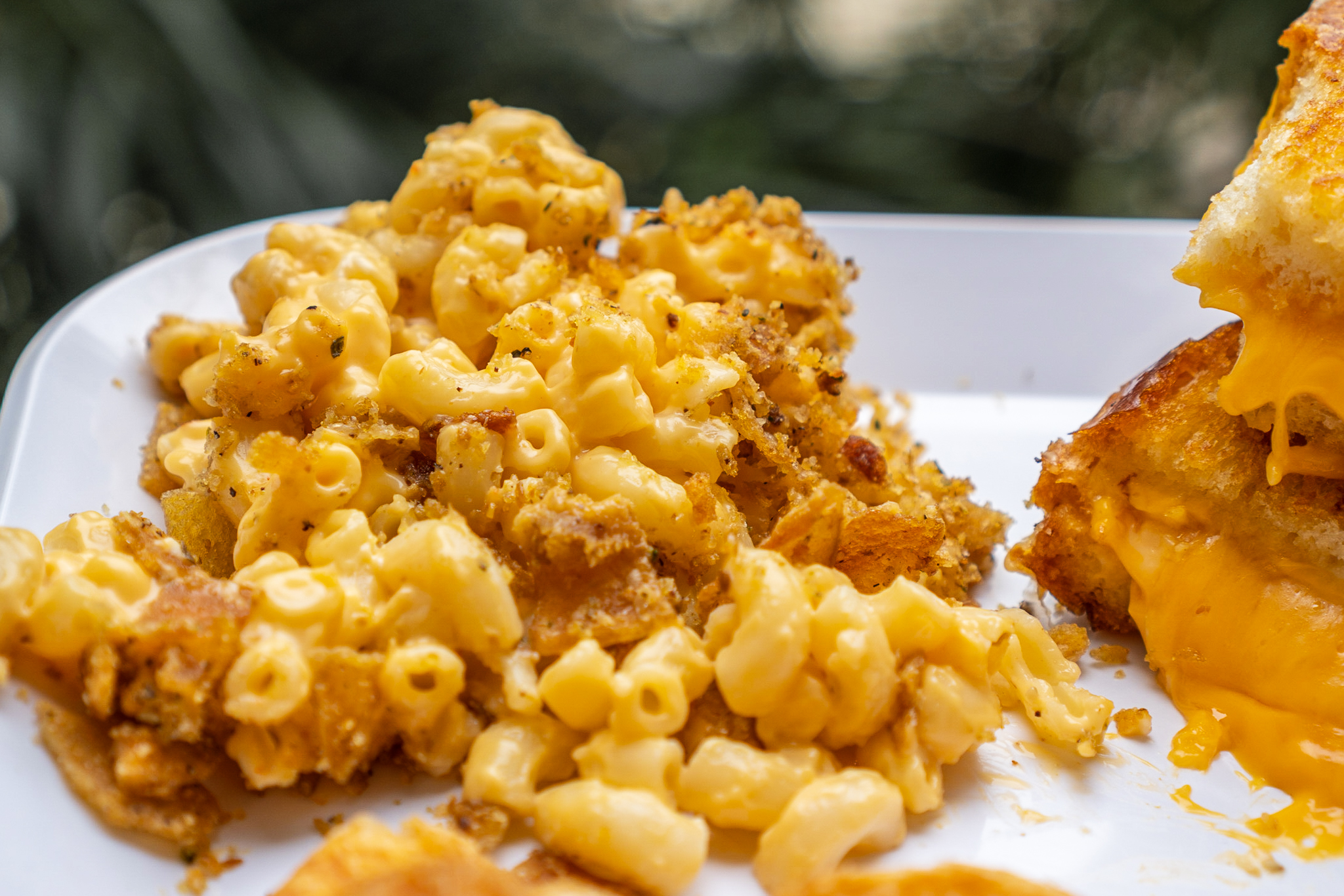 Fo' Cheezy Twisted Meltz Mac N Cheese