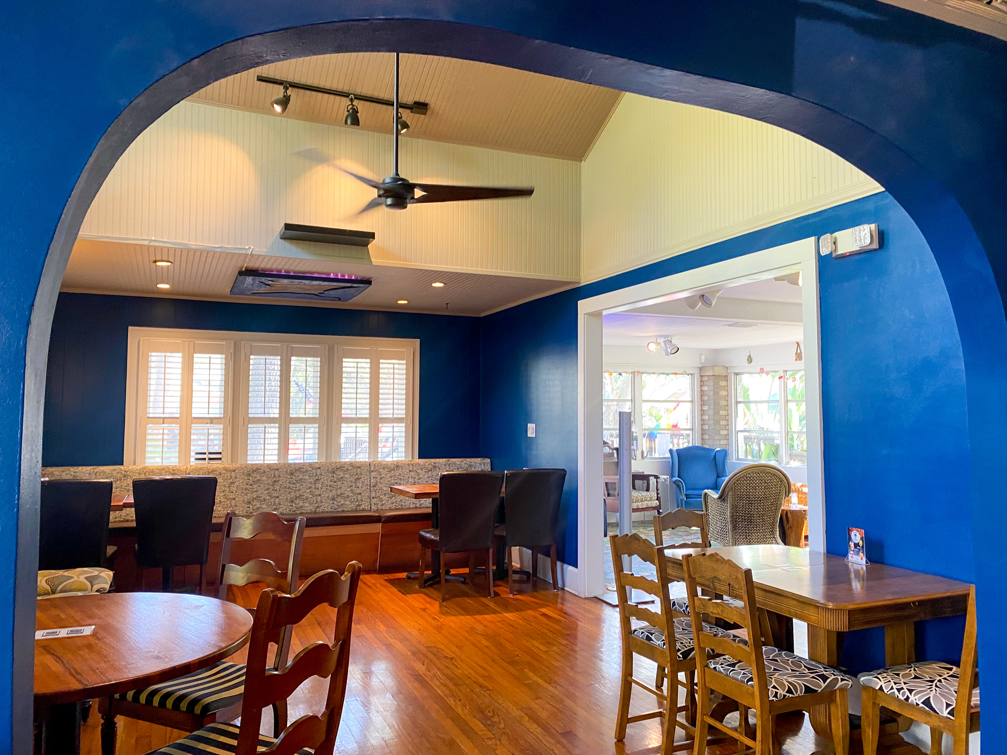 Gulfport Brewery and Eatery Interior