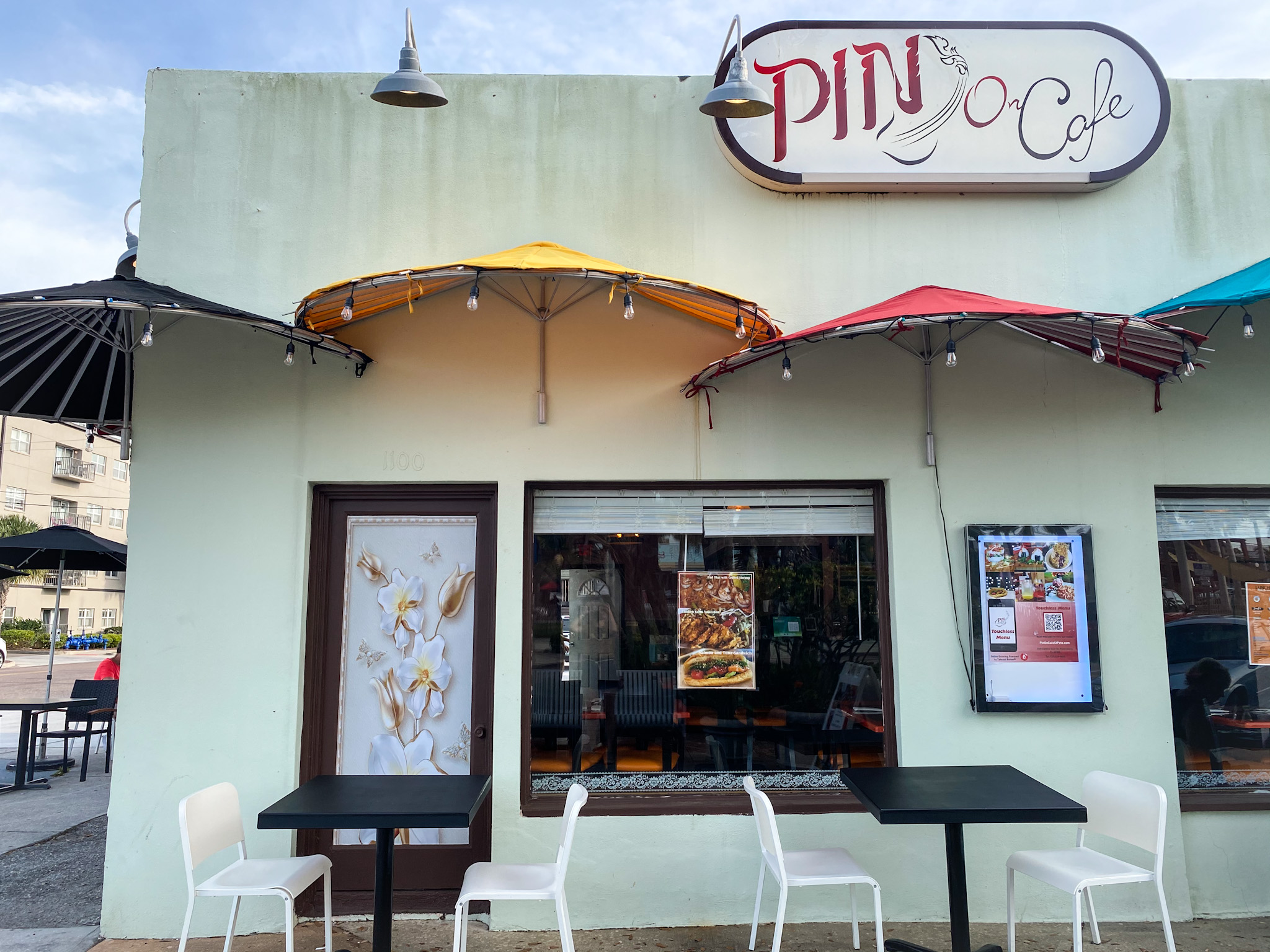 Front entrance of Pin On Cafe facing Central Ave