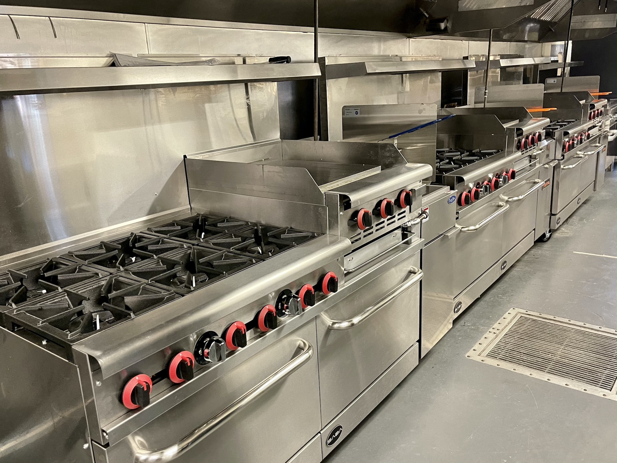 22 South Brand New Gas Stoves