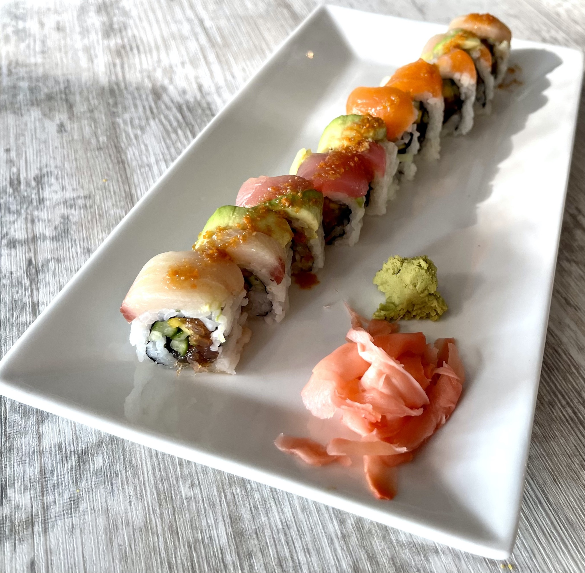 Shokkan Rainbow Roll