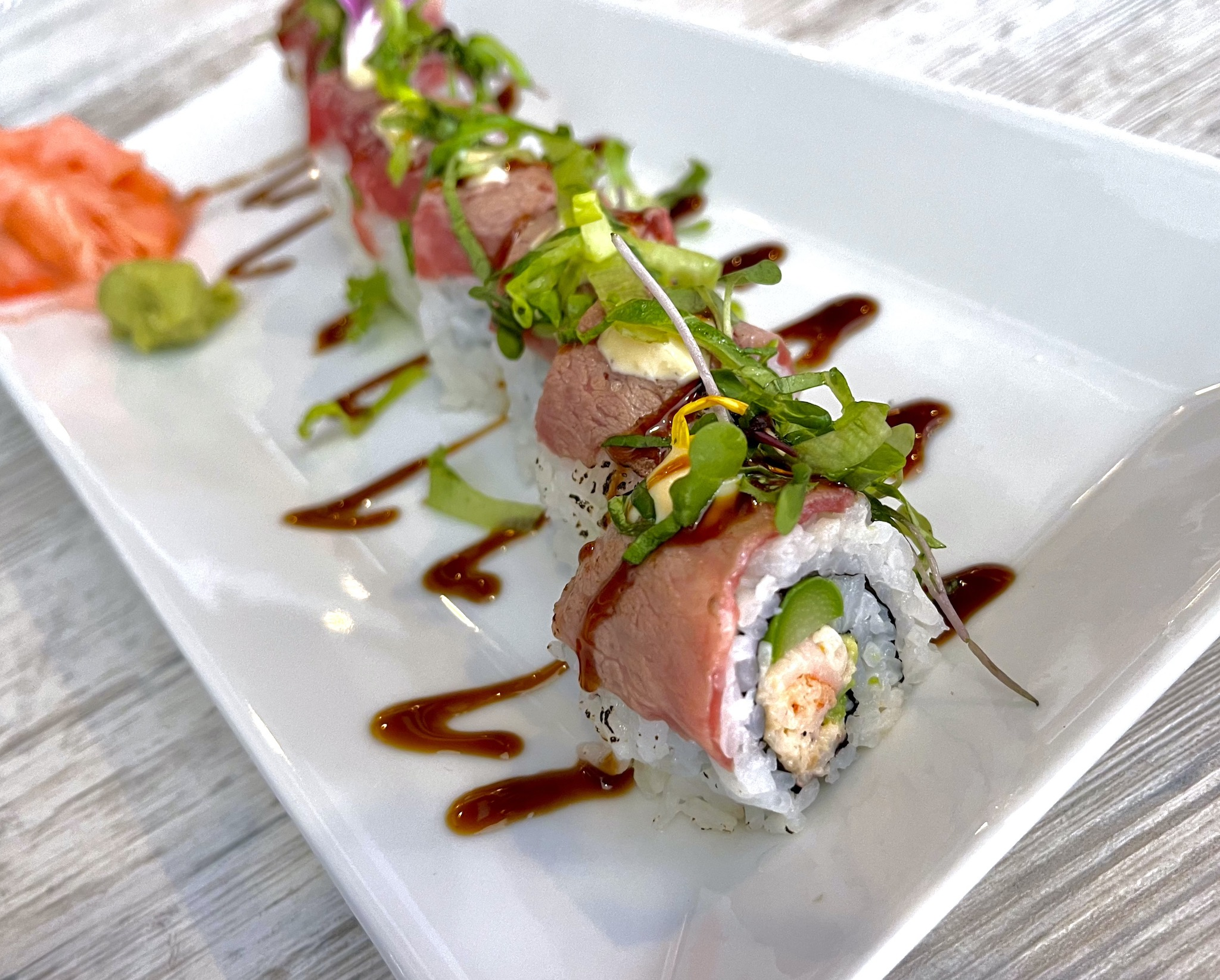 Shokkan Surf & Turf Roll